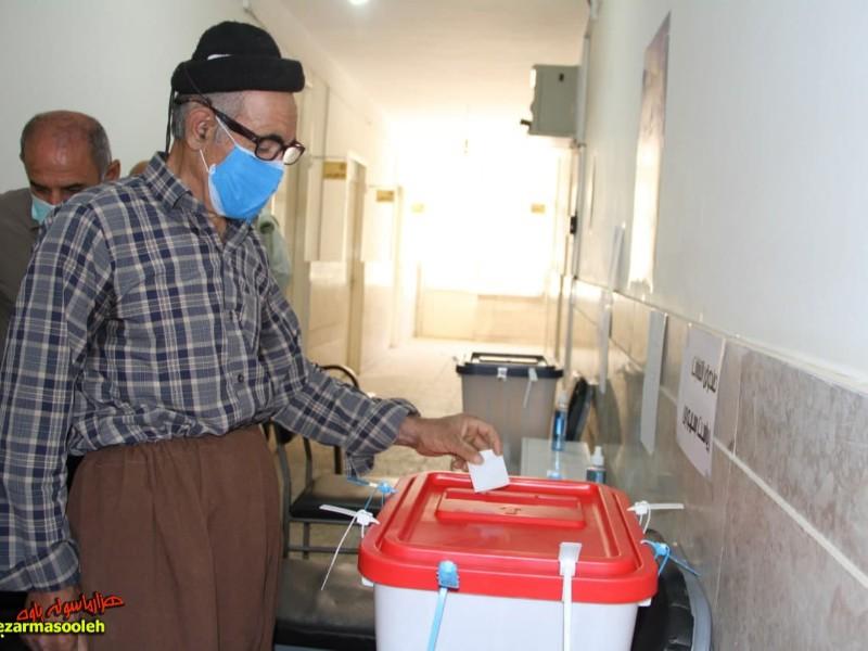 حضور پرشور مردم شهرستان پاوه در صف های رأی